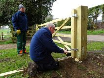 Installation of a new entrance gate to the marsh.